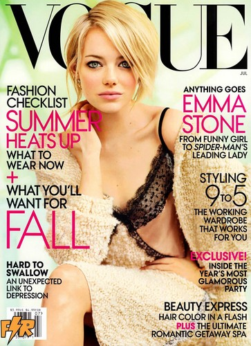 Emma Stone द्वारा Mario Testino for Vogue US July 2012