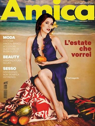Eva in the cover issue of Amica magazine
