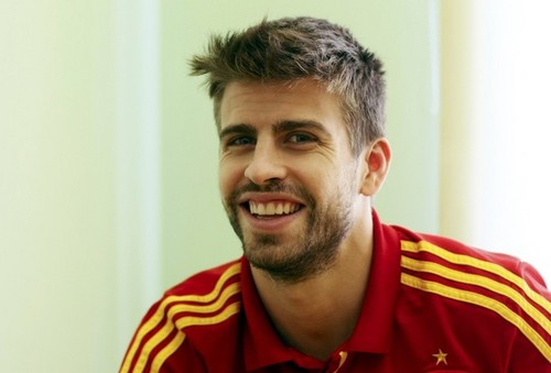 Spain National Football Team wallpaper called Gerard Pique Interview