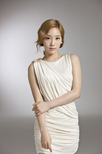Girls' Generation Taeyeon LG 3D TV
