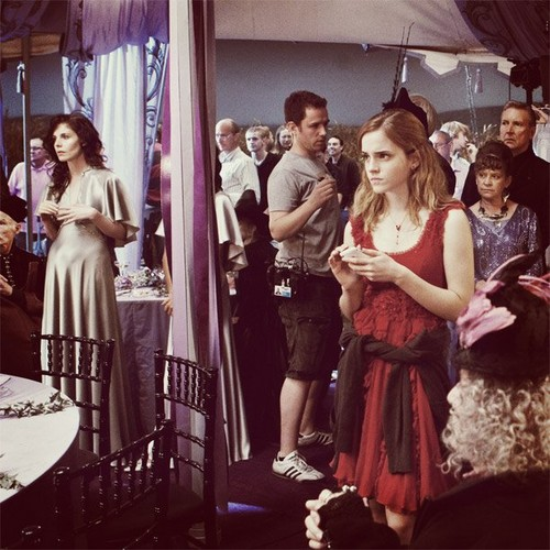 HP and Deathly Hallows BTS Photo - emma-watson Photo