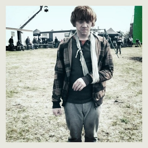 rupert grint wallpaper possibly with a well dressed person titled HP and Deathly Hallows BTS foto