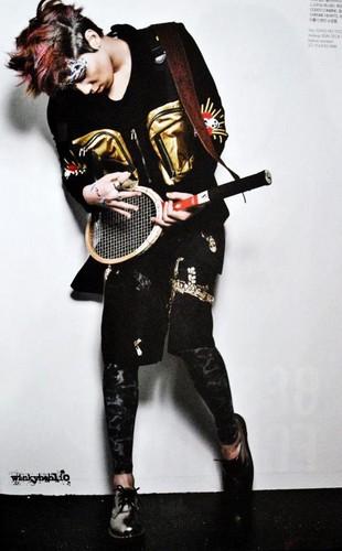 """Hongki in UK fashion magazine""""Dazed & Confused"""""""