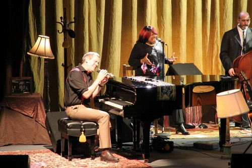 Hugh Laurie- Moscow Show 25 June 2012  - hugh-laurie Photo