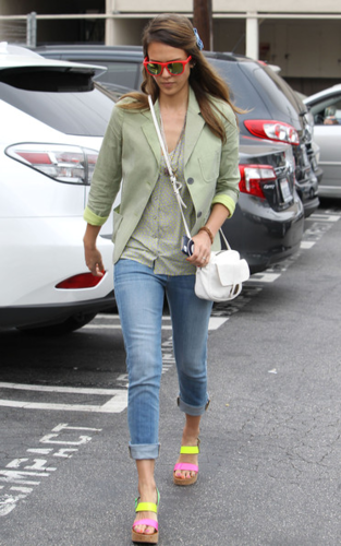 Jessica - Out for lunch at Deli in LA - June 12, 2012