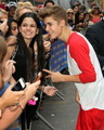 "Justin Bieber visits ""Late hiển thị With David Letterman"" - June 20, 2012"