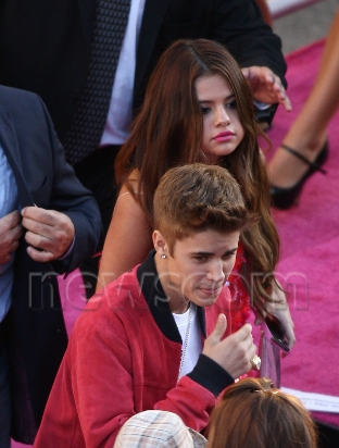 Justin & Selena ,Carly rae jepsen at the Katy Perry Premiere 2012