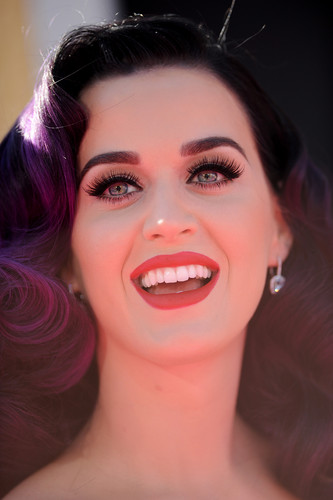 Katy Perry Photograph Fakingstv 1