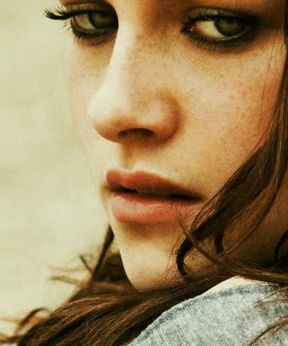 Kristen Stewart wallpaper containing a portrait called Kristen Stewart