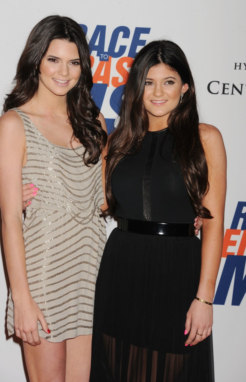 Kendall amp kylie jenner fap challenge teens bikini wank 10