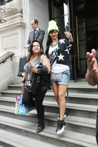 Leaving Her Hotel In London [23 June 2012] - rihanna Photo