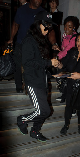 Leaving Her London Hotel And Heading To A Fitness First Gym [28 June 2012]