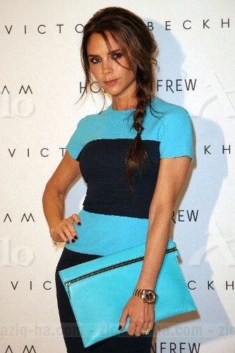 MQ - June 15th - Vancouver - Victoria at Holt Renfrew Vancouver - victoria-beckham Photo