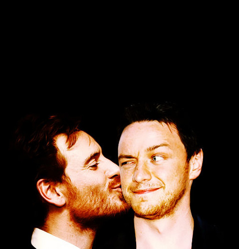 James McAvoy and Michael Fassbender 壁紙 probably containing a business suit, a concert, and a portrait titled McFassy Cheek Kiss!