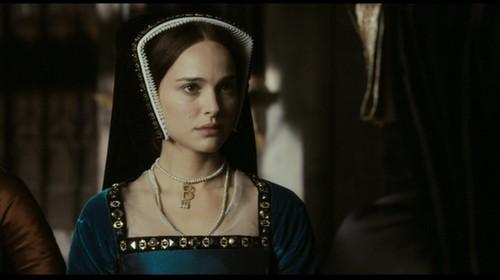 Tudor History দেওয়ালপত্র titled Natalie Portman as Anne Boleyn