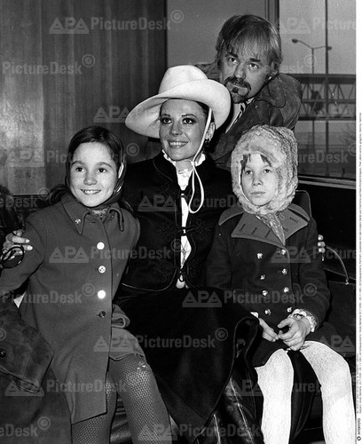 Natalie & Richard Gregson with his kids