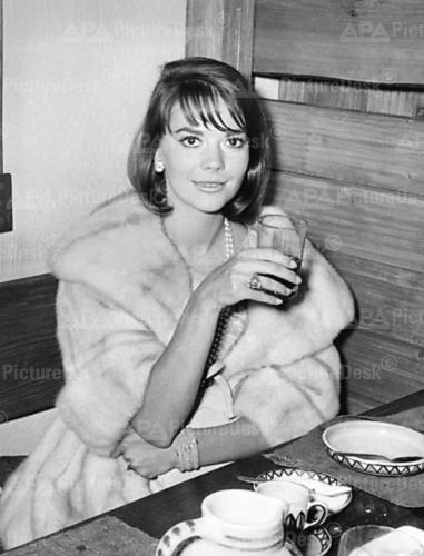 Natalie Wood Hintergrund containing a pelz mantel and an antipasti, antipasto entitled Natalie :)