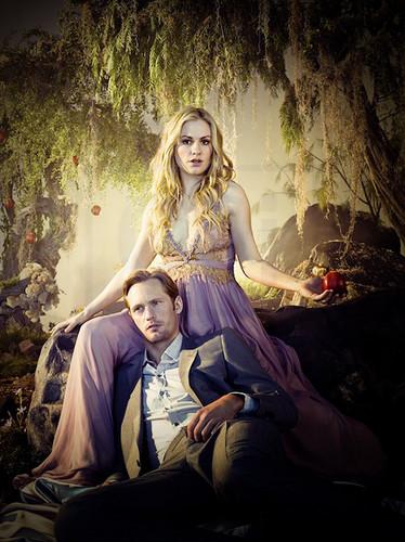 New Release Alexander Skarsgård & Anna Paquin for EW 의해 Michael Muller.