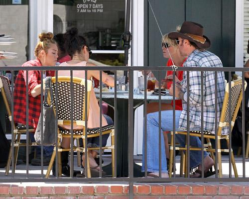 Out for lunch at Paty's in Toluca Lake [20th June]