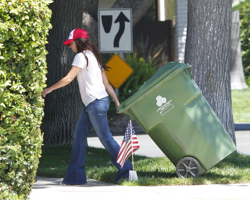 Jennifer Love Hewitt wallpaper containing a dumpster called Outside Her House In Toluca Lake [28 June 2012]