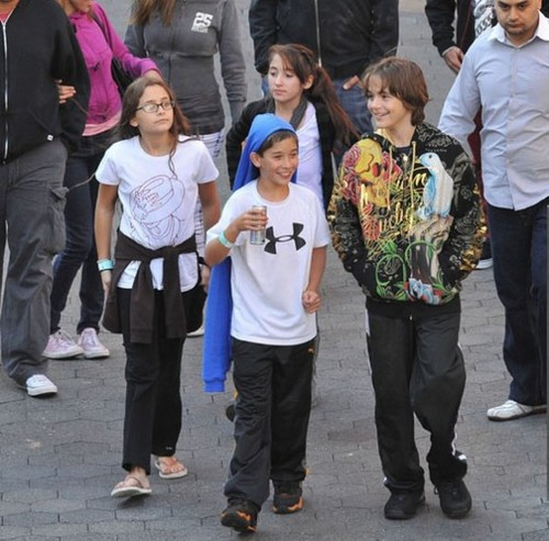 Paris Jackson, Jarod Malnik, Spencer Malnik and Prince Jackson 2009