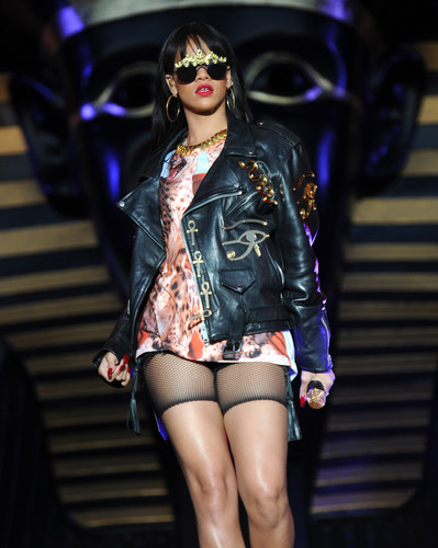 Performing At BBC Radio 1 Hackney Weekend In London [24 June 2012] - rihanna Photo