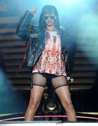 Performing At BBC Radio 1 Hackney Weekend In Londra [24 June 2012]