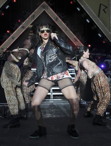 Performing At BBC Radio 1 Hackney Weekend In লন্ডন [24 June 2012]