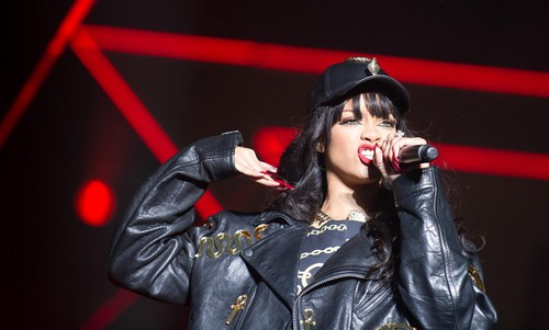 Performs In Holmenkollen [29 June 2012] - rihanna Photo