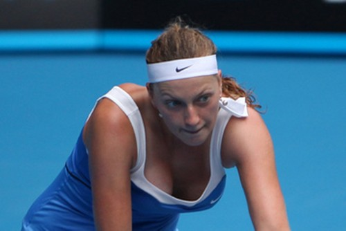 Petra Kvitova breast in blue camicia
