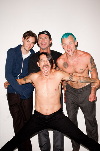 Red Hot Chili Peppers wallpaper possibly containing a hunk called Red Hot Chili Peppers