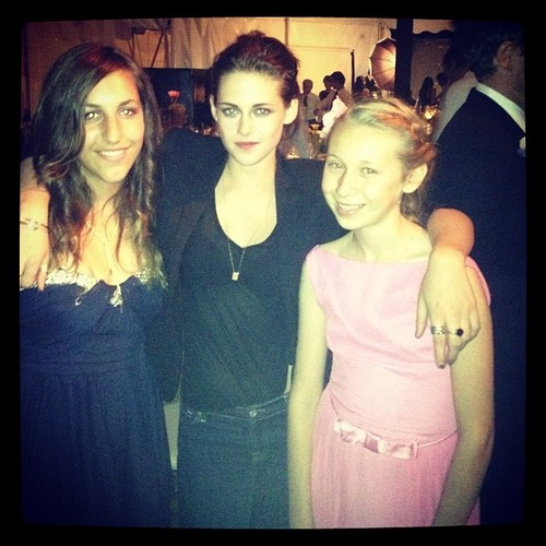 Rob and Kristen attend wedding (23/06/12)