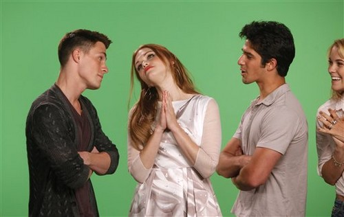 Tyler, Colton Haynes and Holland Roden VISIT MTV'S 10 ON चोटी, शीर्ष