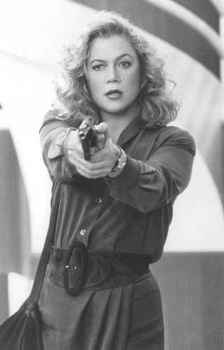 V.I. Warshawski - kathleen-turner Photo