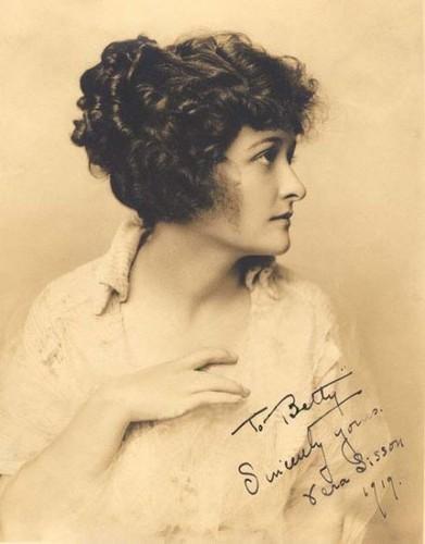 Valentina Zimina (1 January 1899 — 3 December 1928)