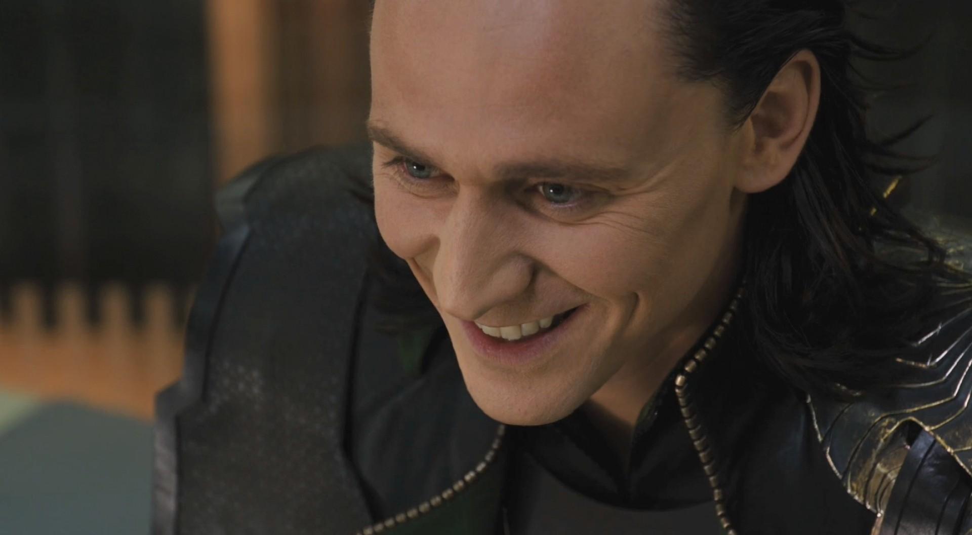 Villain Loki Smile - Villains Photo (31239689) - Fanpop