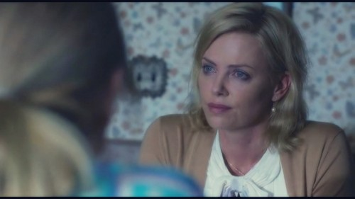 Young Adult - charlize-theron Photo