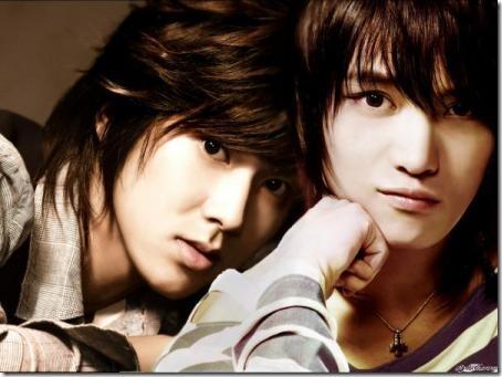Yunho and Jaejoong :)