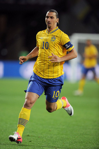 Zlatan Ibrahimovic wallpaper probably with a fullback, a soccer player, and a forward titled Z. Ibrahimovic (Sweden)