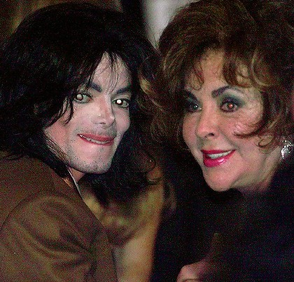 hahaha look into their eyes @_@ - michael-jackson Photo