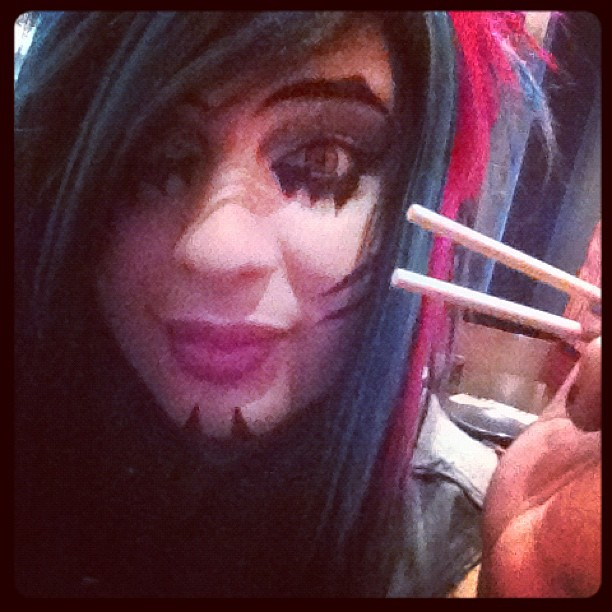 i use chopsticks to eat chu ^.*