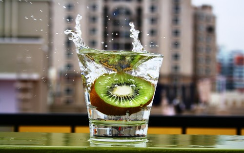 kiwi splash - fruit Photo