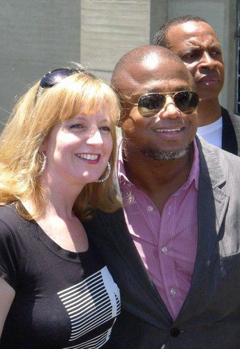 randy jackson with ファン at forest lawn, glendale LA june 25th 2012