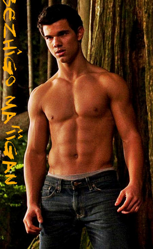 Twilight Series wallpaper possibly with a hunk titled ✰ Jacob ✰