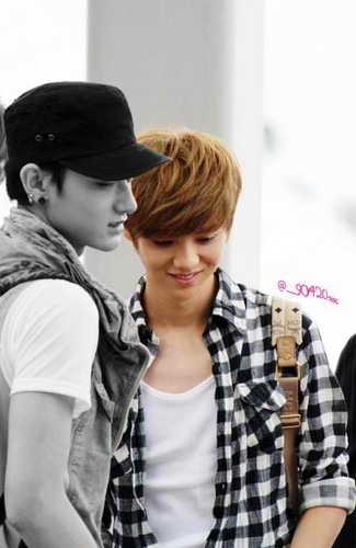 120527 EXO-M at Incheon Airport