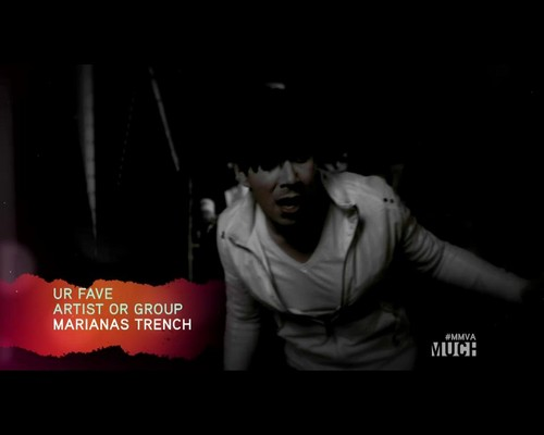 Marianas trench celebrity status acoustic free download