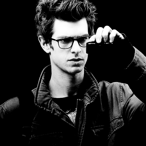 Andrew Garfield پیپر وال probably with sunglasses titled Andrewww :*