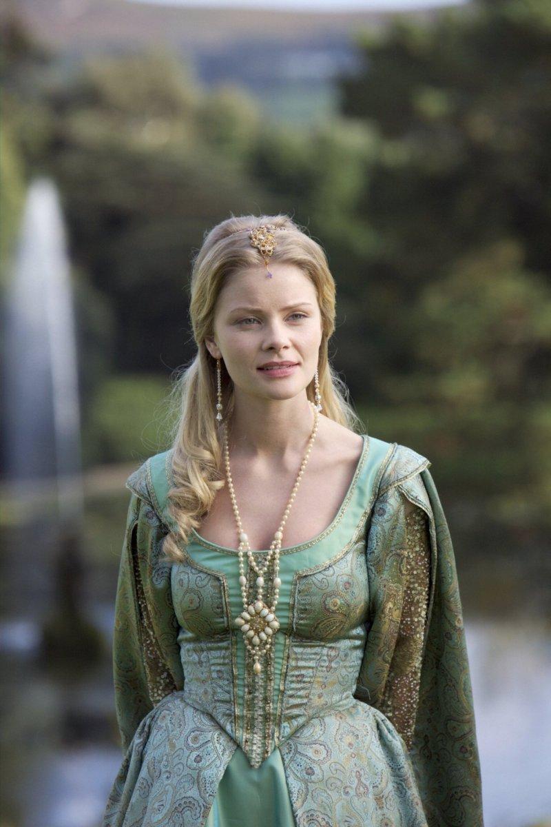 Anita Briem as Jane Seymour