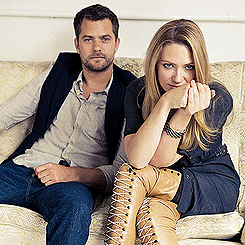 Anna Torv and Joshua Jackson দেওয়ালপত্র probably containing bare legs and a hip boot entitled Anna & Josh ♥