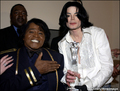 Backstage with JAMES BROWN!!!!!!!! - michael-jackson photo